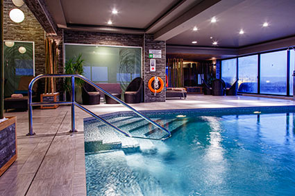 Pool inne Hotel Victoria Malta