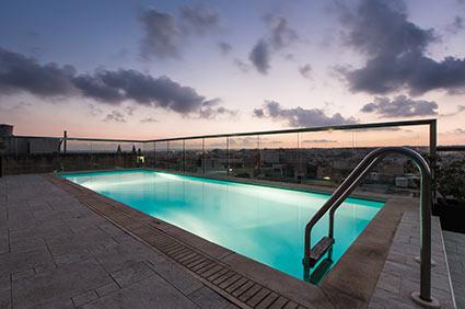 Pool außen Hotel Victoria Malta